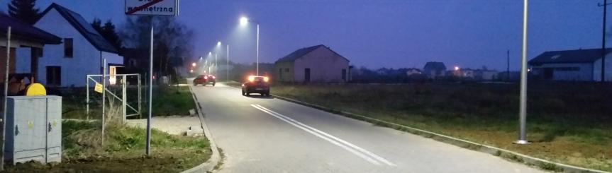Lampy przy ul. Rzemieślniczej już świecą Kliknięcie w obrazek spowoduje wyświetlenie jego powiększenia